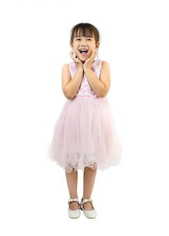 Retrato de menina feliz e emocionante