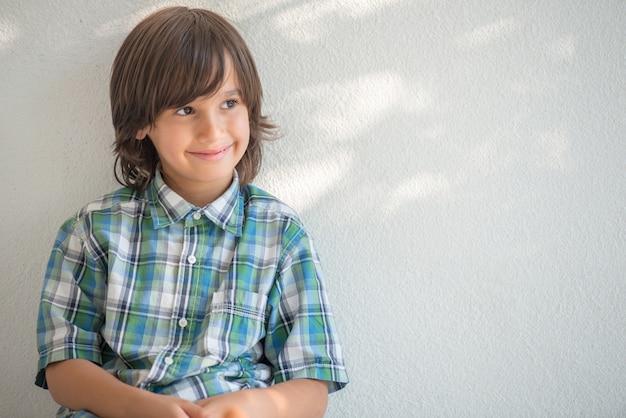 Retrato de menino modelo