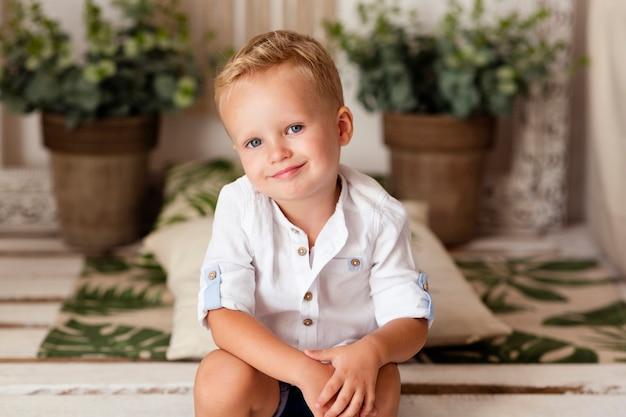 Retrato, de, menino sorridente