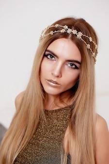 Retrato de moda linda modelo menina