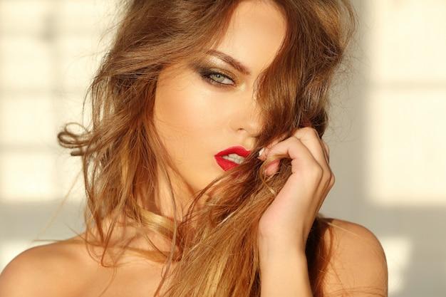 Retrato de mulher bonita