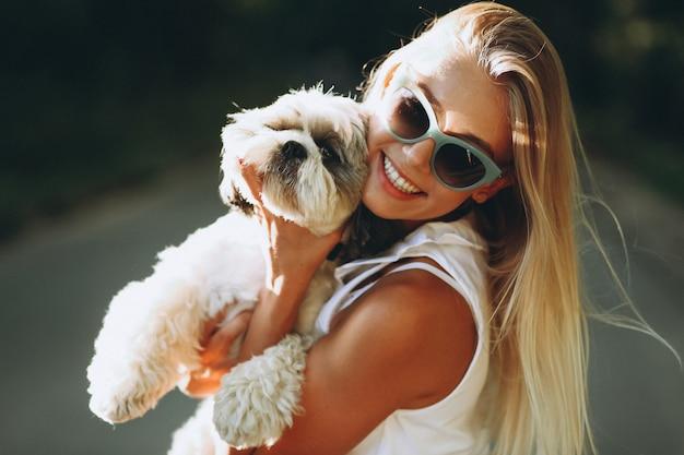 Retrato, de, mulher, com, dela, cão, parque