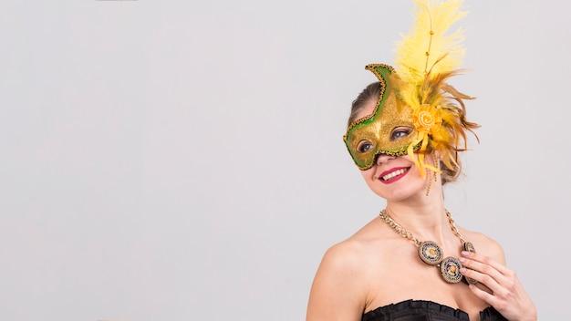 Retrato, de, mulher, com, máscara carnaval