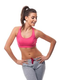 Retrato de mulher feliz fitness