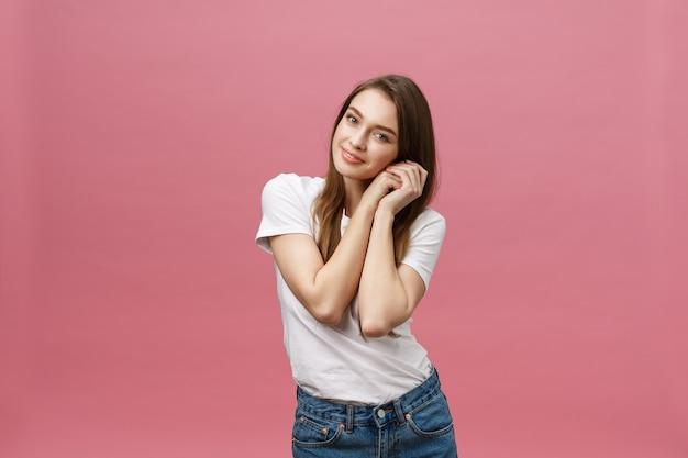 Retrato de mulher jovem expressiva
