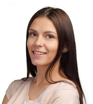 Retrato de mulher jovem isolado