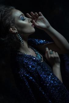 Retrato de mulher moda glamour