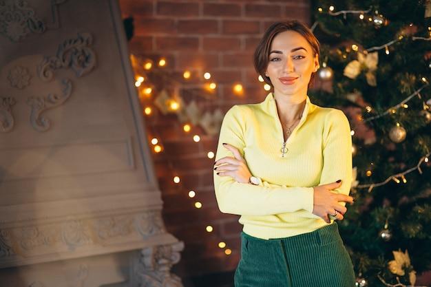 Retrato, de, mulher, por, árvore natal