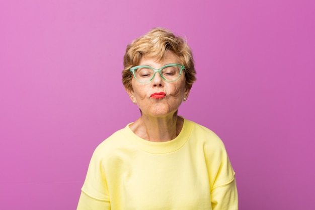 Retrato de mulher velha bonita