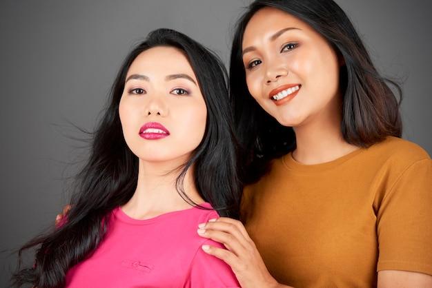 Retrato de mulheres asiáticas