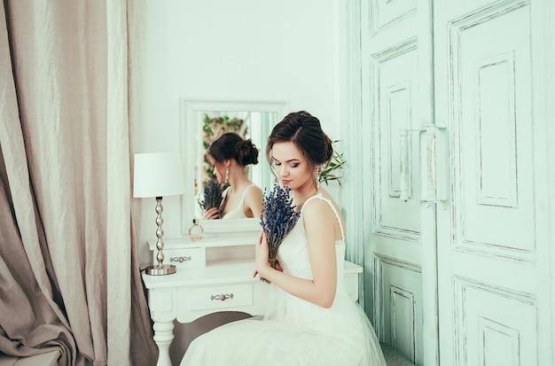 Retrato de noiva linda jovem beleza