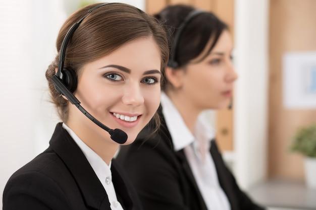 Retrato de operadora de call center