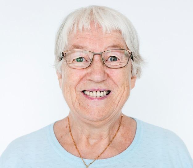 Retrato, de, sorrindo, branca, mulher idosa