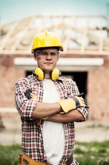Retrato de trabalhador da construção civil