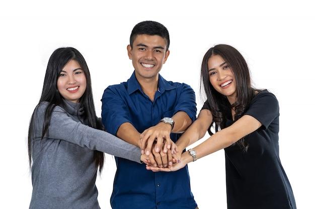 Retrato, de, três, asiático, modelo, com, terno ocasional, com, mão, coordenação, ação