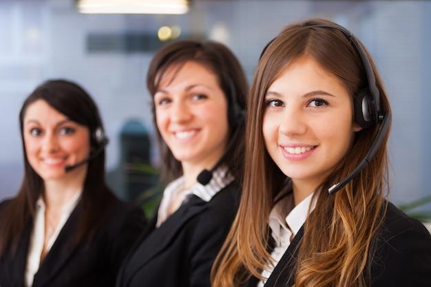 Retrato, de, três, cliente, representantes, no trabalho