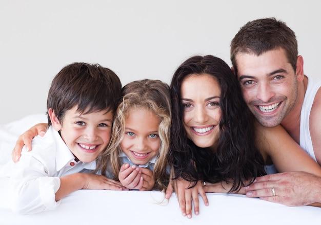 Retrato, de, um, atento, pais, com, seu, crianças