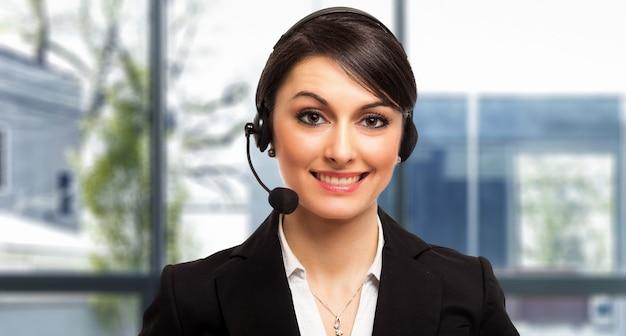 Retrato, de, um, bonito, cliente, representante, no trabalho