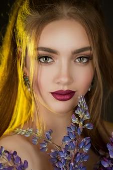 Retrato, de, um, bonito, menina, com, lupines