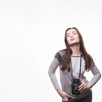 Retrato, de, um, bonito, mulher jovem, com, vindima, gêmeo, lente, câmera