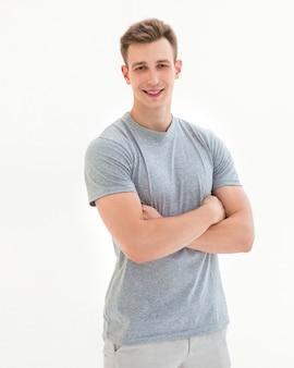 Retrato de um cara bonito e moderno. isolado em fundo branco