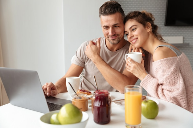 Retrato de um casal atraente