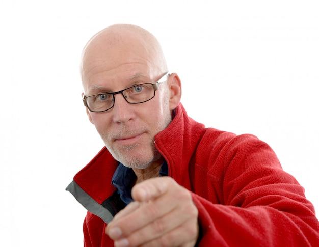 Retrato de um homem maduro com uma jaqueta vermelha