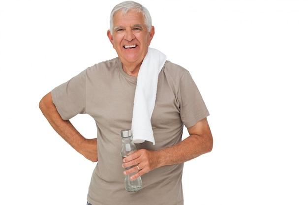 Retrato, de, um, homem sênior, com, garrafa água