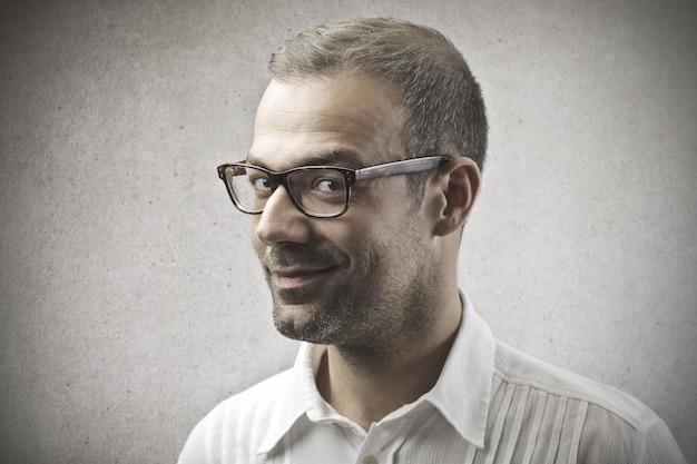 Retrato, de, um, homem sorridente