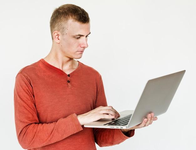 Retrato, de, um, homem, usando, um, laptop