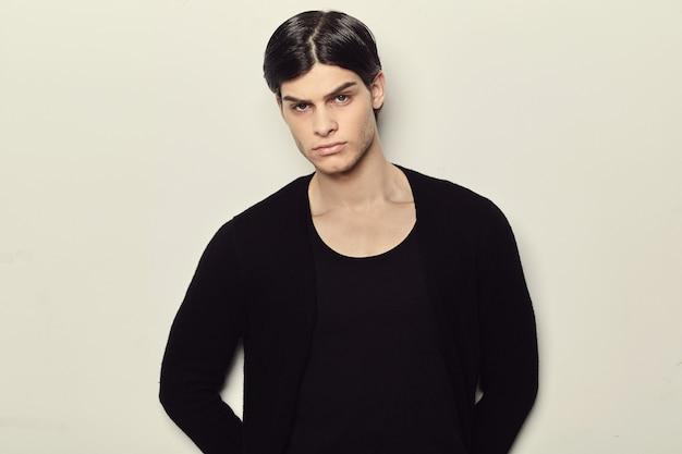 Retrato de um jovem de moda