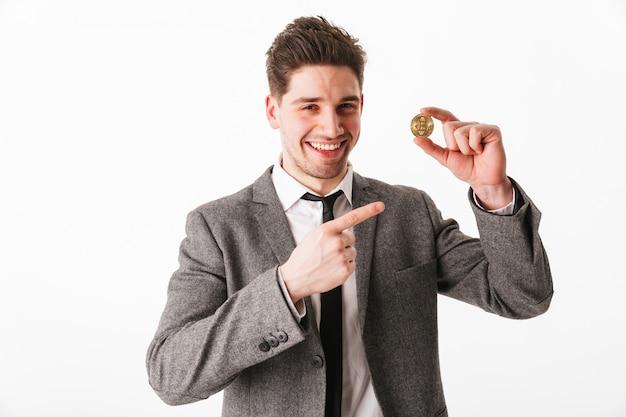 Retrato de um jovem empresário satisfeito