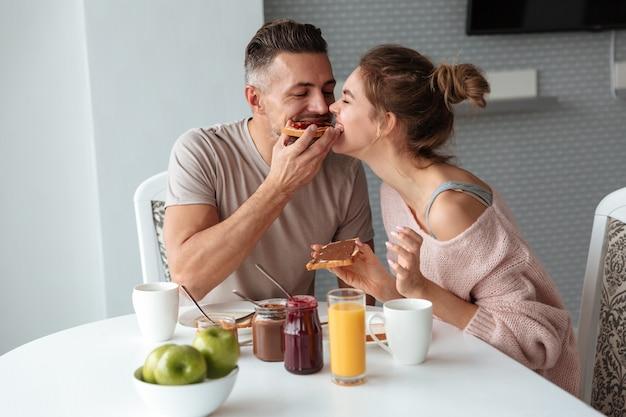 Retrato de um lindo casal apaixonado