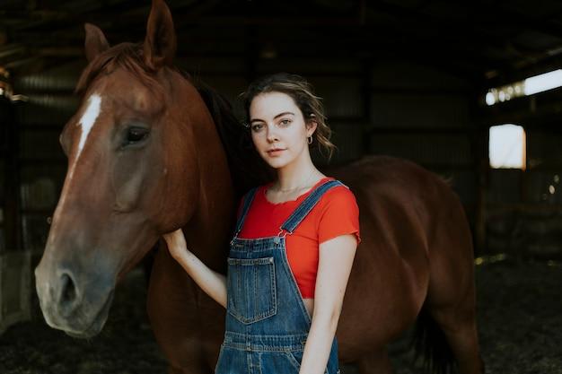 Retrato, de, um, menina, e, um, cavalo