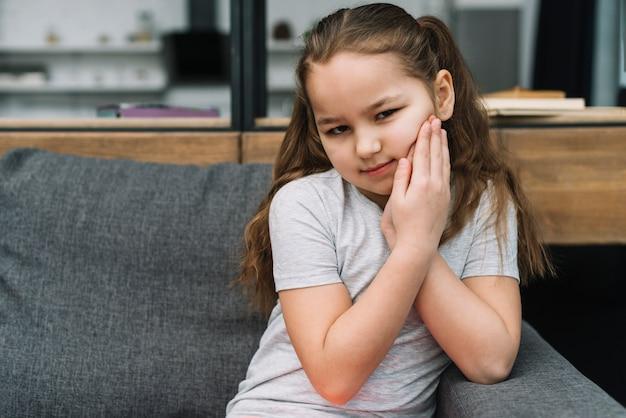 Retrato, de, um, menina, sofrimento, de, toothache