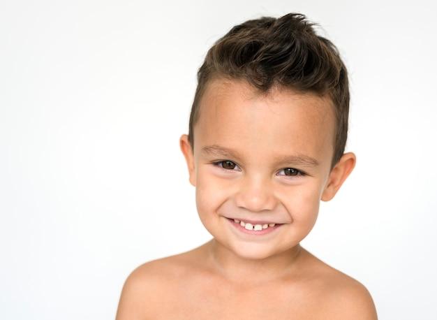 Retrato de um menino bonitinho