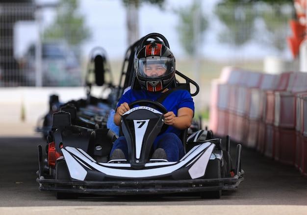 Retrato de um motorista gokart