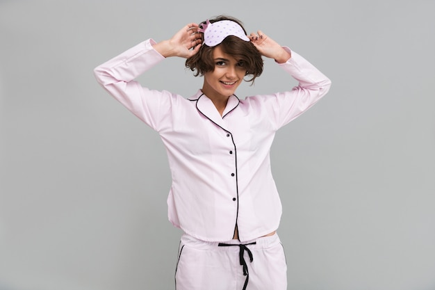 Retrato, de, um, mulher bonita sorridente, desgastar pijama