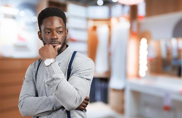 Retrato, de, um, pensativo, jovem, africano, homem
