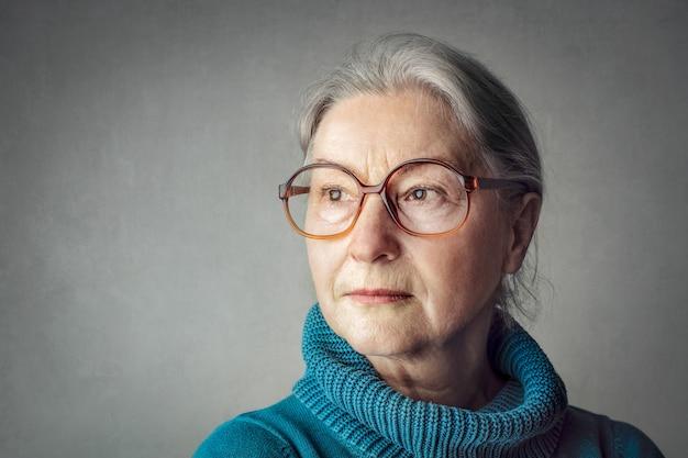 Retrato, de, um, sério, mulher velha