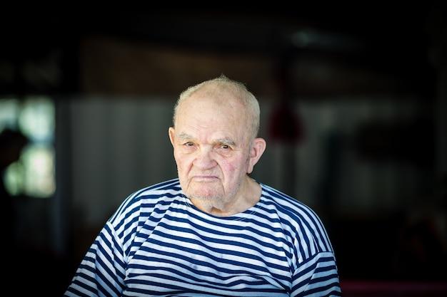 Retrato de um velho avô