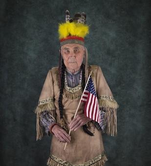 Retrato de um velho índio apache americano
