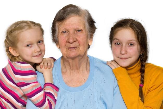 Retrato de uma bisavó, bisnetas, close-up