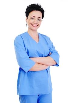 Retrato de uma cirurgiã bem-sucedida e sorridente