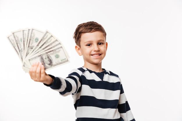 Retrato de uma criança fofa feliz