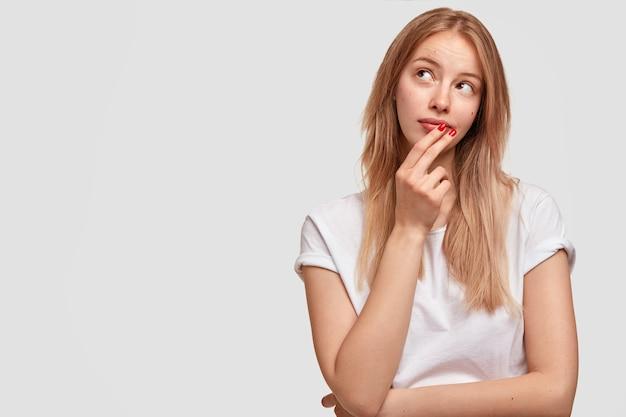Retrato de uma jovem loira