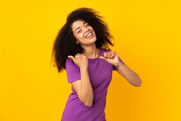 Retrato de uma jovem sorridente