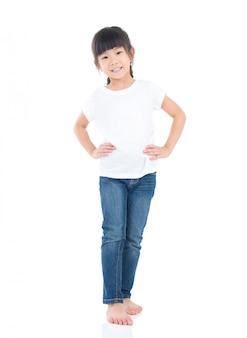 Retrato de uma linda criança asiática