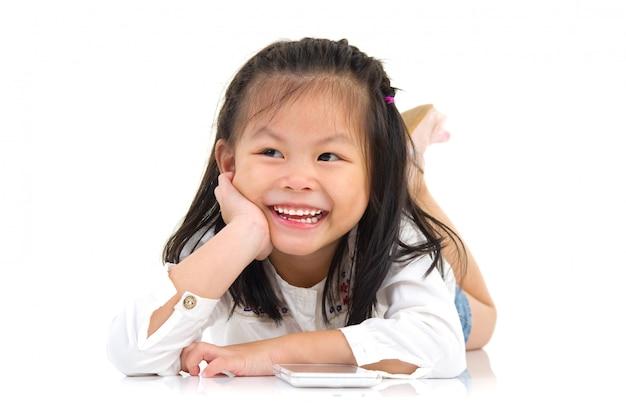Retrato de uma linda menina asiática