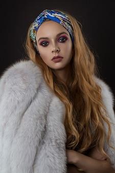 Retrato de uma menina na moda
